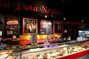 Pata Negra Béziers est un restaurant dans la galerie ZAC de Montimaran. On y trouve de la charcuterie et du fromage, à déguster ou à emporter.(® SAAM fabrice CHORT)